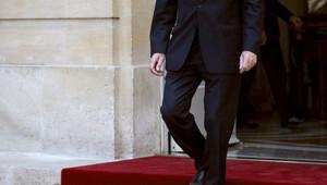 Jean-Marc Ayrault prenant ses fonctions à Matignon le 16 mai 2012