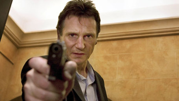 Liam Neeson dans taken film de Pierre Morel avec Liam Neeson, Maggie Grace