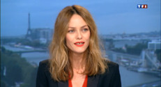 Le 20 heures du 12 mai 2013 : Vanessa Paradis offre &amp;quot;un bouquet&amp;quot; de 20 chansons - 2290.6244638671874