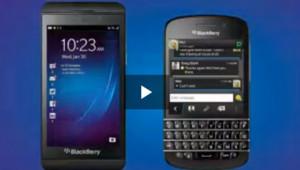 Les nouveaux smartphones de Blackberry, le Z10 et le Q10.