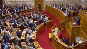 """Grèce : proche d'un accord avec le FMI, Athènes rejette les demandes """"absurdes"""" des créanciers"""