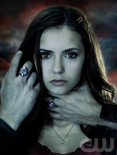 he Vampire Diaries - Saison 1. Série créée par Créée par Kevin Williamson, Julie Plec en 2009. Avec : Nina Dobrev, Paul Wesley, Ian Somerhalder et Steven R. Mcqueen.