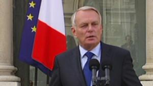 Le Premier ministre Jean-Marc Ayrault à la sortie du conseil des ministres, vendredi 28 septembre.