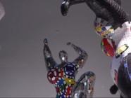 """Le 20 heures du 19 octobre 2014 : Niki de Saint Phalle et ses """"nanas"""" s'exposent au Grand Palais - 2463.766441101074"""