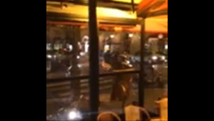 Le 20 heures du 25 novembre 2014 : Braquage dans une bijouterie pr�des Champs-Elys�, les malfaiteurs en fuite - 128.61792316055298