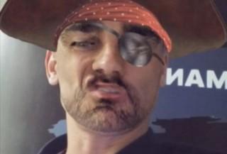 Allez les Bleus ! Reconnaissez-vous ce footballeur sous les traits de Jack Sparrow sur Snapchat ?
