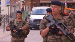 """Le 13 heures du 9 juillet 2015 : L'opération """"Sentinelle"""" coûte 1 million d'euros par jour - 257"""