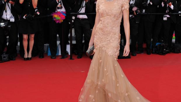 Naomi Watts en robe Marchesa à Cannes lors de la première de Madagascar 3