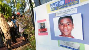 Affiche en l'honneur de Trayvon Martin à Sanford (Floride)