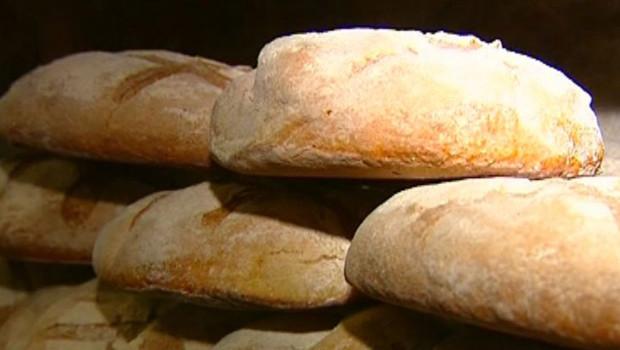 Des boulangers clandestins payés 500 euros par mois en Ile-de-France et Haute-Normandie Pain-boulanger-boulangerie-farine-artisan-2517127_1713