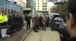 Bernard Cazeneuve et François Rebsamen à Dijon sur les lieux du drame