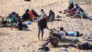 La vidéo d'El Pais TV montre les migrants africains venus s'échouer sur une plage de naturistes sur Grande Canarie