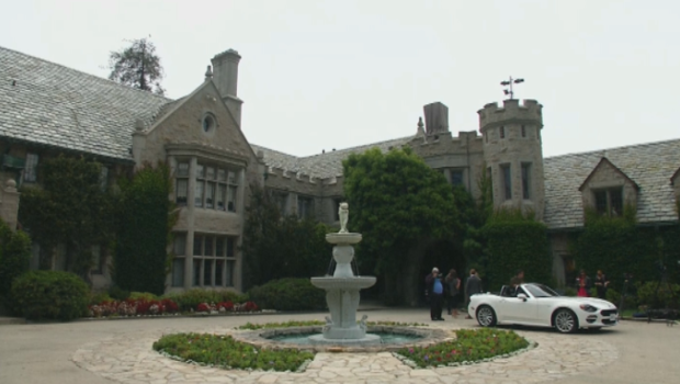 Le manoir Playboy d'Hugh Hefner vendu en viager