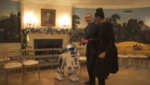 Barack et Michelle Obama dansent au côté de R2D2 à la Maison Blanche