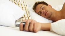 Dormir avec son smartphone, mauvais pour la santé