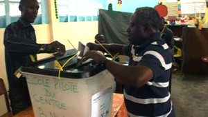 Les opérations électorales pour désigner le successeur d'Omar Bongo au Gabon (30 août 2009)
