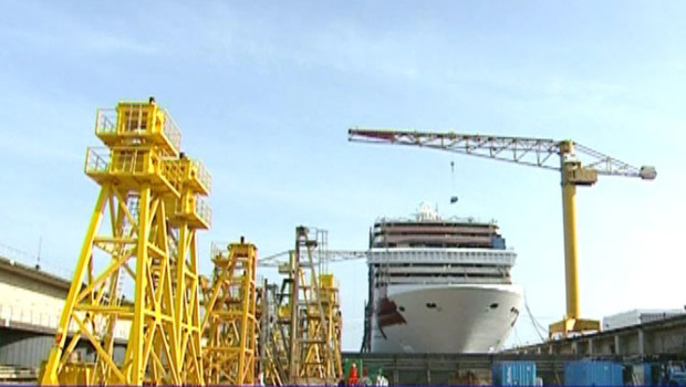 TF1-LCI Les chantiers navals de Saint-Nazaire