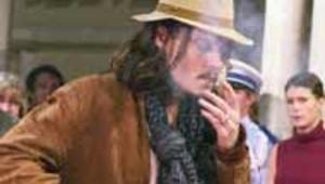 johnny depp fumeur cigarette acteur AFP