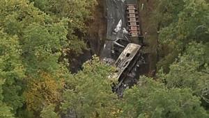 Les images de l'accident de la route qui a fait 43 morts en Gironde