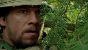Mark Wahlberg dans Lone Survivor de Peter Berg