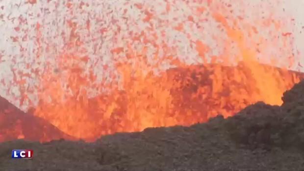 Il est entré en éruption : les images du piton de la Fournaise