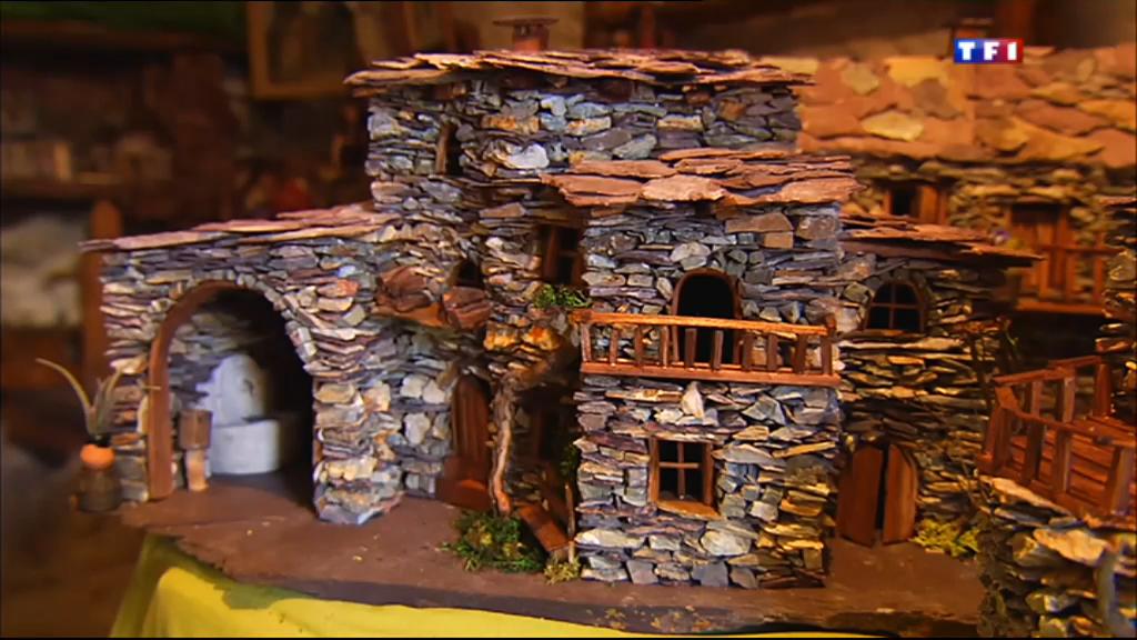 comment fabriquer une maison miniature. Black Bedroom Furniture Sets. Home Design Ideas