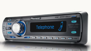 Petit autoradio bluetooth