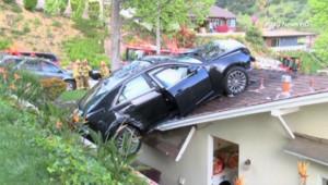 Etats-Unis : quand la voiture atterri sur le toit