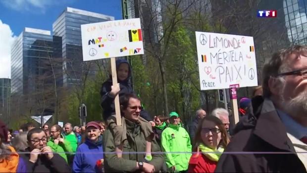 """Un mois après les attentats, Bruxelles dit """"non"""" à la terreur"""