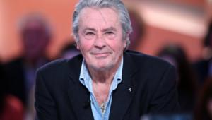 L'acteur français Alain Delon en décembre 2012 sur le plateau du Grand Journal de Canal+