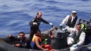 Opération de secours au large de la Libye après le naufrage d'un bateau de migrants, 5/8/15
