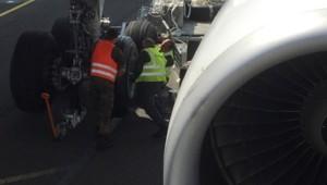 Un pneu a éclaté sur l'avion de Steinmeier et Ayrault à l'aéroport de Berlin-Tegel.