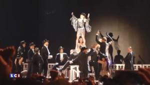 Attentats de Paris : à Bercy, Madonna entonne la Marseillaise avec son public