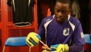 Ce gardien de but devient la risée du web et répond avec humour dans une vidéo