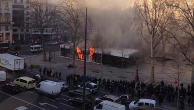 Incendie au café Monde et Médias, place de la République
