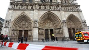 Un homme, essayiste d'extrême droite, s'est suicidé avec une arme à feu mardi après-midi dans Notre-Dame de Paris.