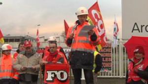 Des salariés du site Mittal de Basse-Indre le 10 décembre 2012