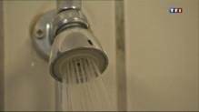 Le 20 heures du 19 mai 2013 : Avec la crise, les bains douches de plus en plus fr�ent�- 1420.458