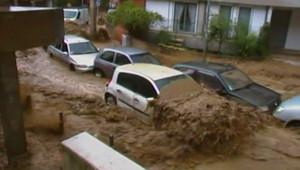 Les rues de Givors envahies par une coulée de boue (13 juin 2010)