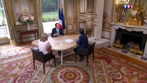 """Terrorisme : pour Hollande, """"ces groupes veulent mettre en cause les civilisations"""""""