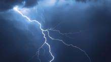 éclairs-orages tonnerre ciel intempéries pluies