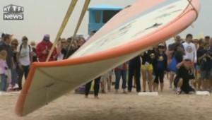 La plus grande planche de surf du monde