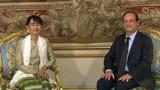 Aung San Suu Kyi reçue à l'Elysée par Hollande