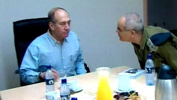 TF1/LCI : Ehud Olmert lors d'une réunion restreinte du cabinet israélien