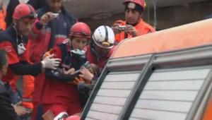 Bébé miraculé, sorti des décombres après le séisme à Van, en Turquie.