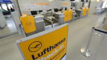 L'embarquement pour les vols Lufthansa, à l'aéroport de Berlin.