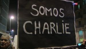 Le 20 heures du 8 janvier 2015 : Charlie Hebdo : anonymes, politiques... le monde entier est Charlie - 5079.086