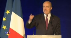 """Meeting de Sarkozy à Bordeaux : Juppé hué lorsqu'il parle de """"rassemblement"""""""