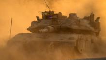Un tank israélien près de la frontière entre Israël et la bande de Gaza, le 4 août 2014.