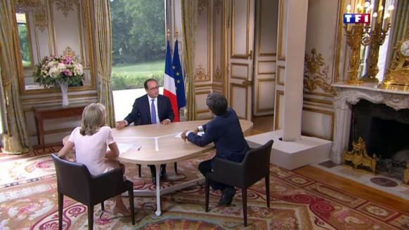 """Hollande pense-t-il à l'élection de 2017 ? """"Heu..."""" quand le président hésite"""